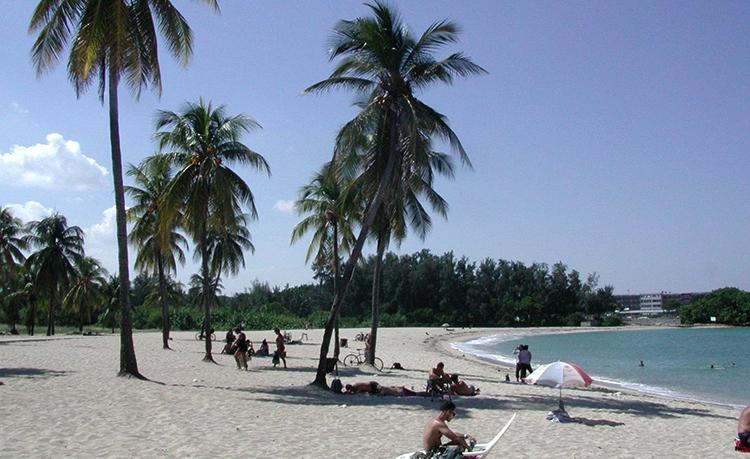 """Пляж """"Бакуранао"""" (""""Bacuranao Beach"""")"""