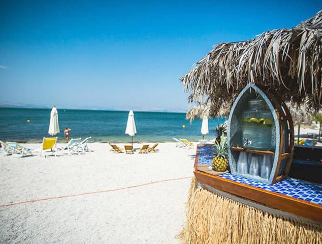 "Пляж ""Бора Бора"" (""Bora Bora Beach"")"