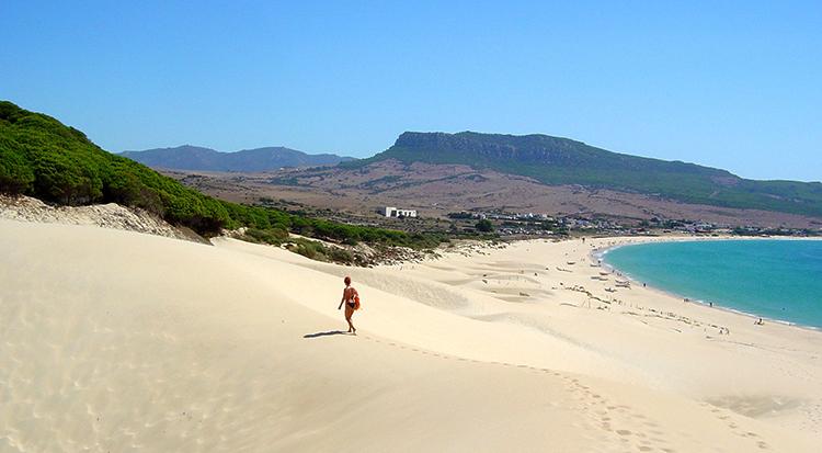 """Пляж """"де Болонья"""" (""""de Bolonia Beach"""")"""