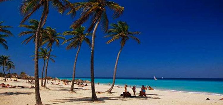 """Пляж """"Плаяс-дель-Эсте"""" (""""Playa Del Este Beach"""")"""