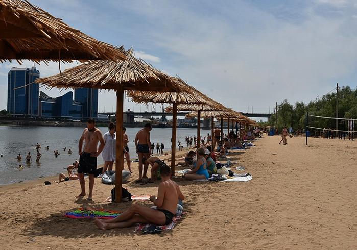 Астраханский пляж городской остров