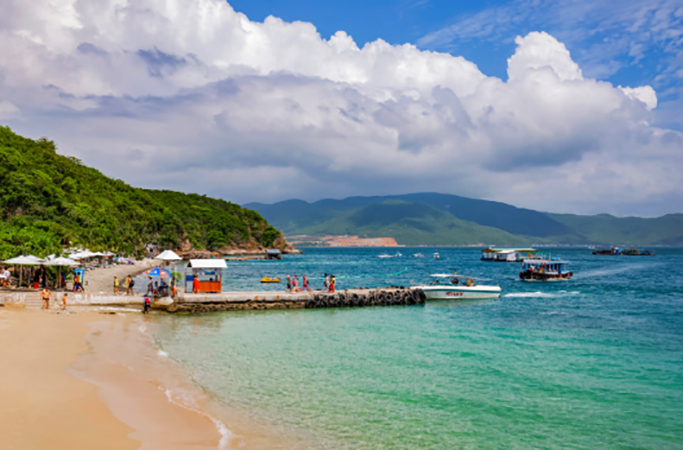 "Пляж ""Хон Миеу"" (""Hon Mieu Beach"")"