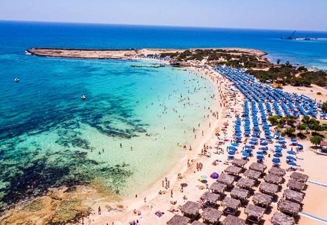 Макронисос (Makronissos Beach)