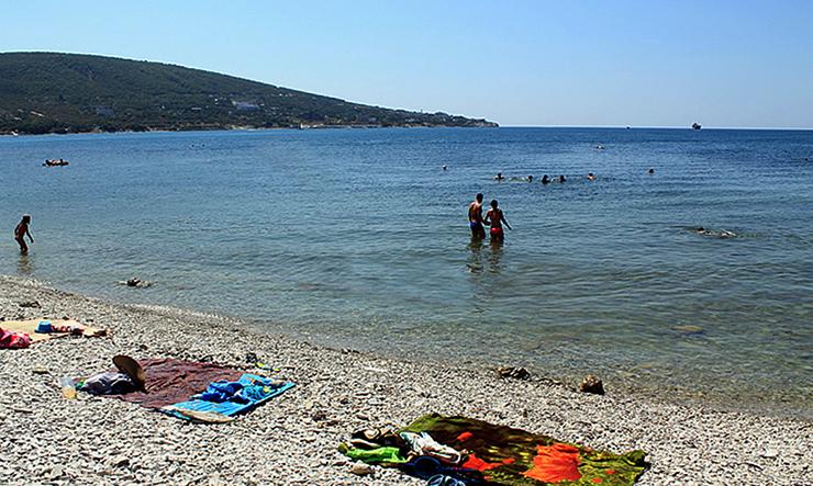 Общественный пляж, расположенный между пляжами пансионата «Кабардинка» и лагеря «Знамя»