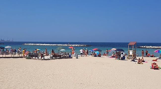 Пляж Пане е Помодоро (Pane e pomodoro)