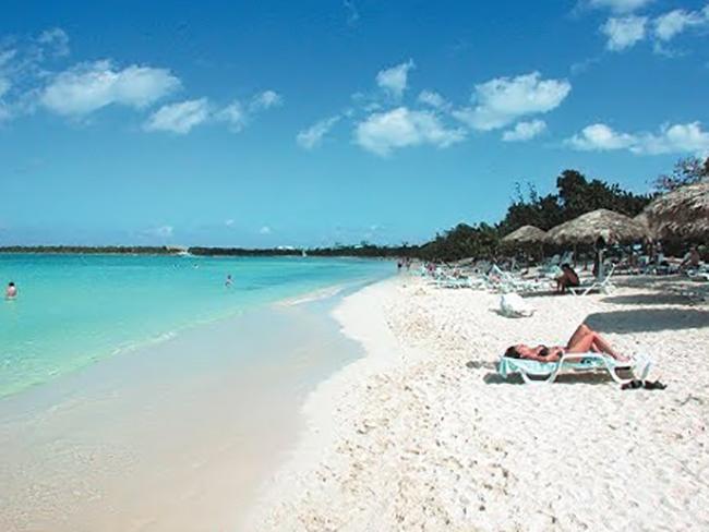 "Пляж ""Пескеро"" (""Pesquero Beach"")"