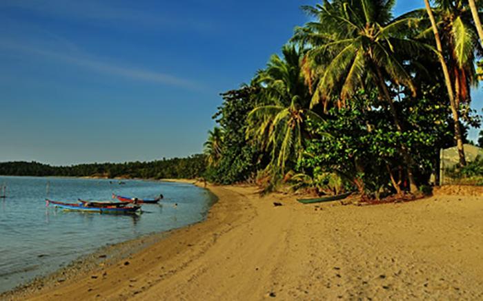 Плай Лаэм (Plai Laem Beach)