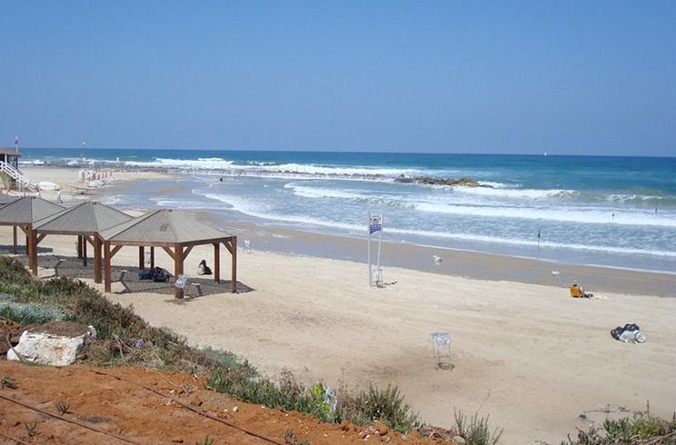 "Пляж ""Тель-Барух"" (""Tel Baruch Beach"")"