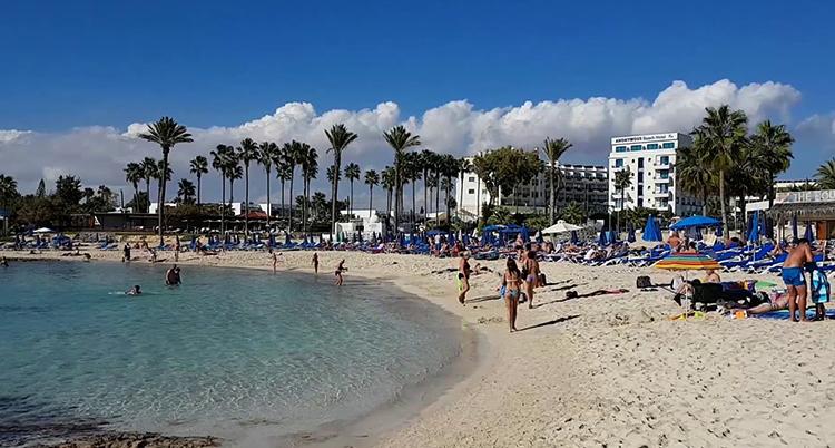 Сэнди Бэй (Ватия Гония) (Vathia Gonia Beach)