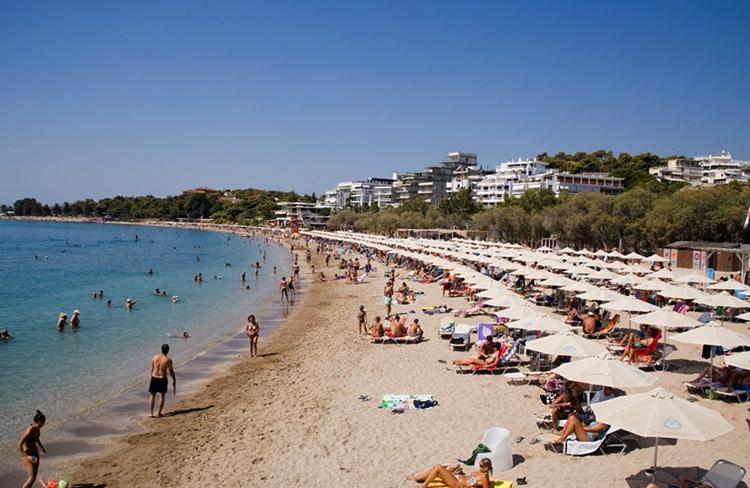 Пляж Акти Вульягмени (Akti Vouliagmenis Beach)
