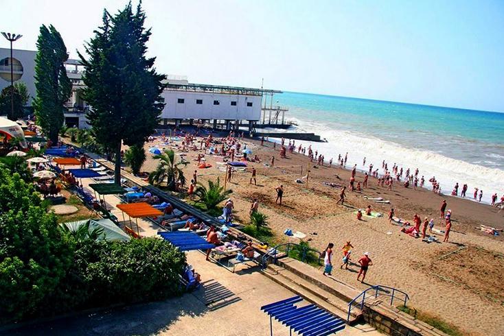 Пляж пансионата «Бургас»