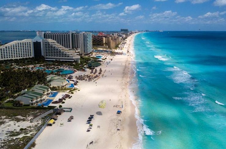 Пляжный ансамбль Канкуна