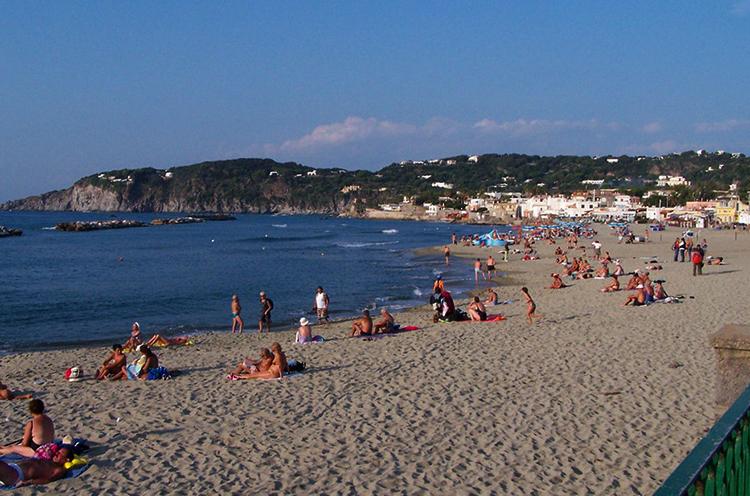 "Пляж ""Кьяйя"" (""Chiaia Beach"")"