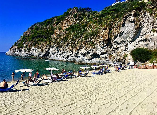 """Пляж """"Сан-Франческо"""" (""""San Francesco Beach"""")"""