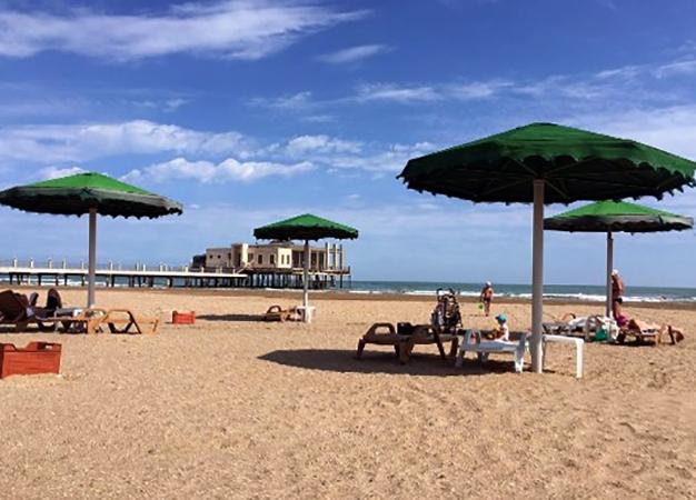 """Пляж """"Хазар Голден"""" (""""Khazar Golden Beach"""")"""