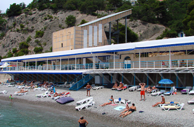 """Пляж отеля """"Марат"""""""