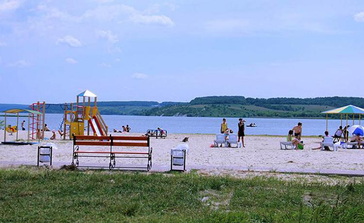 Пляж в Масловой Пристани