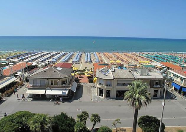 """Пляж """"Палас"""" (""""Palace Beach"""")"""