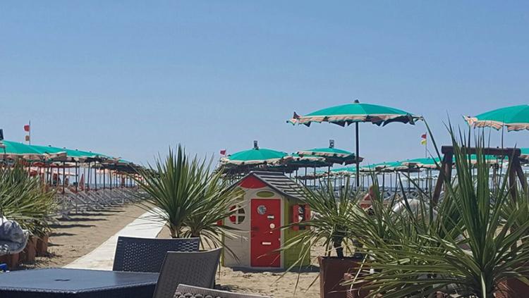 "Пляж ""Куилини"" (""Quilghini Beach"")"