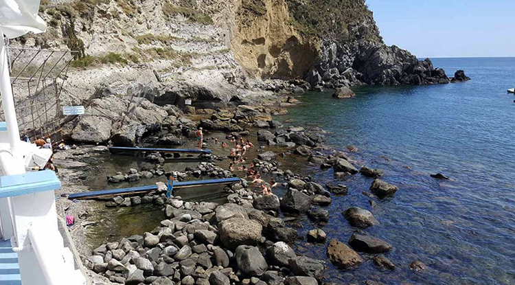 "Пляж залива ""Соржето"" (""Baia di Sorgeto Beach"")"
