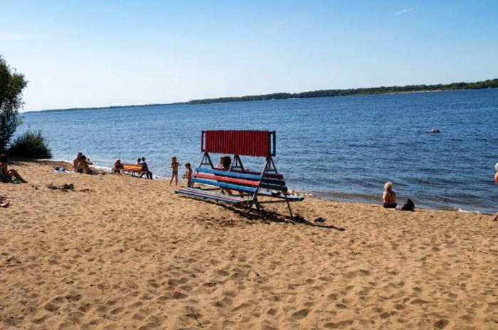 Пляж в загородном парке