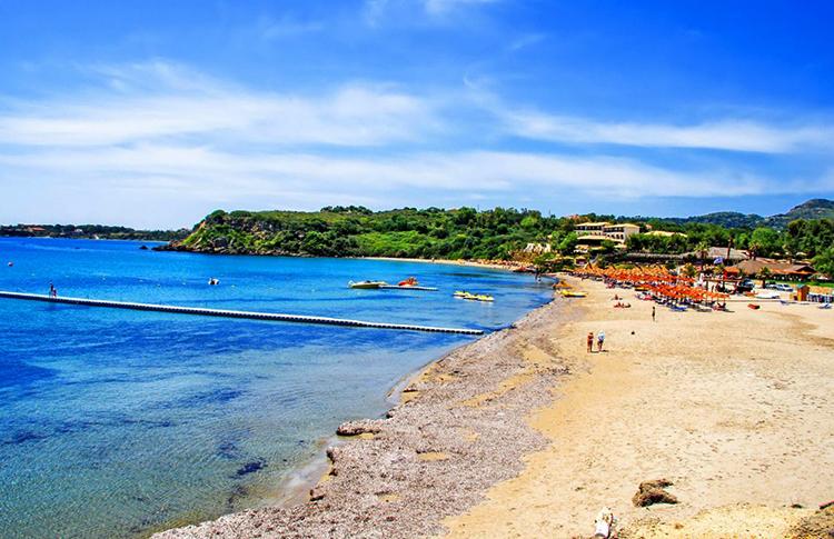 Пляж св. Николаоса (Agios Nikolaos)