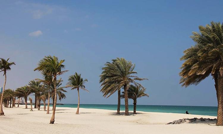 Аль-Мунтазах (Al-Muntazah Beach)