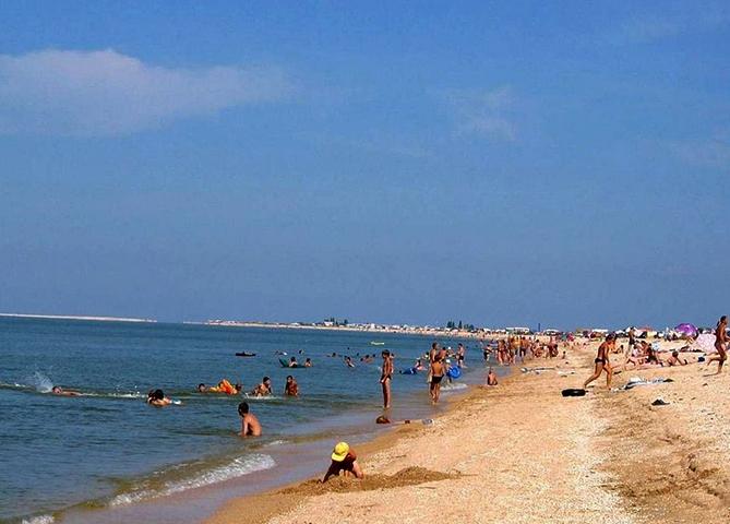 Пляж на Должанской косе