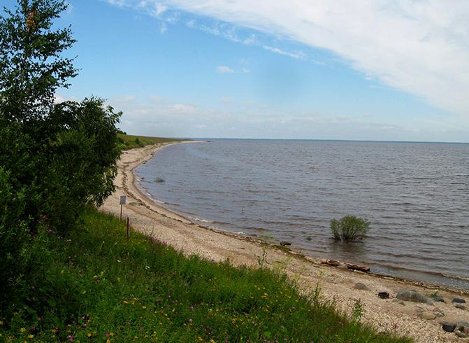 Пляж на озере Ильмень