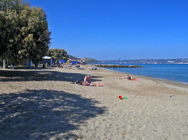 Пляж Каливес (Kalives, Καλύβες)