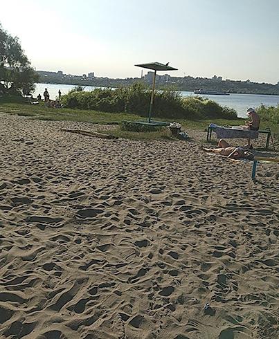 Пляжная территория у Дома культуры Кирова
