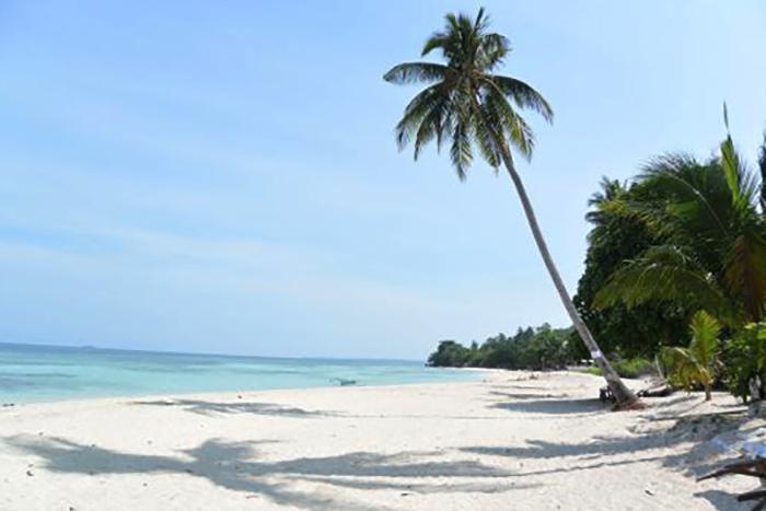 Ламбуг (Lambug Beach)