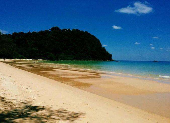 Лейзи-Бич (Lazy Beach)