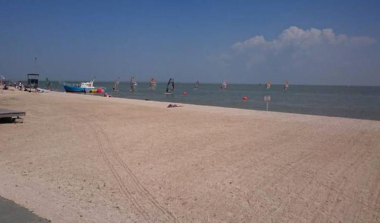 Молодежный пляж