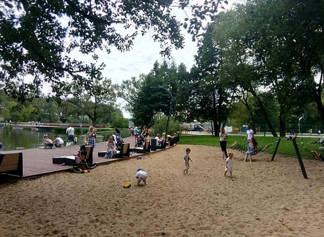 Пляж в парке «Пехорка»