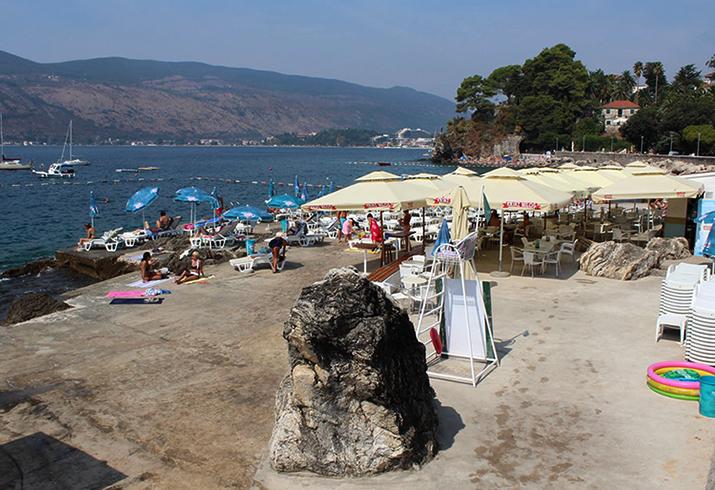 Курортный берег «Лягушачий» (Žaba Plaža)