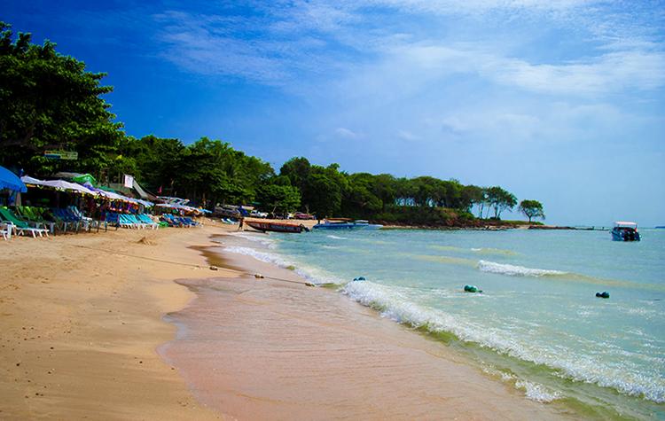 Кози-Бич (Cozy Beach)