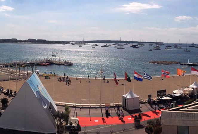 Пляж Дворца фестивалей (la Plage du Palais des Festivals)
