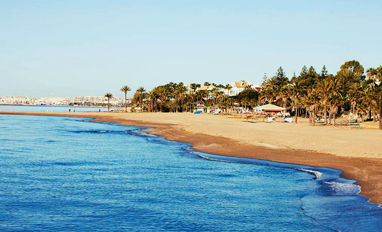 Гуадальмина (Playa de Guadalmina)
