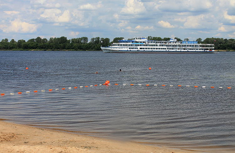 Центральный пляж в Лысково
