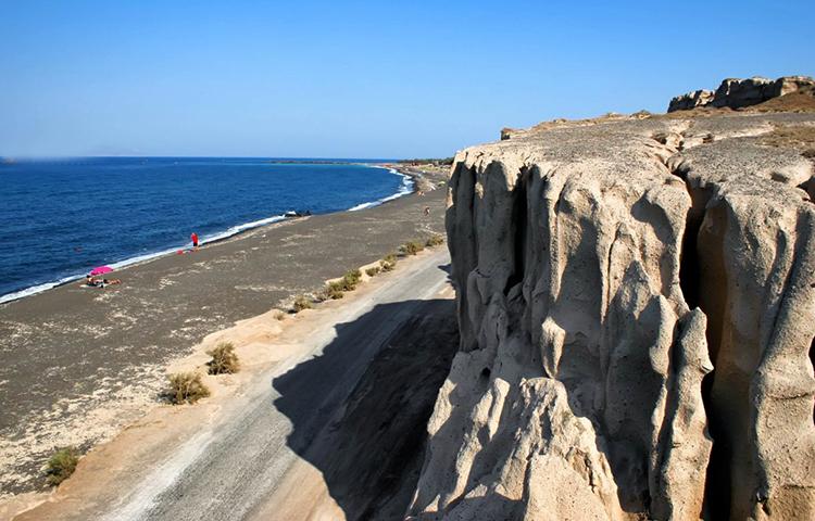 Монолитос (Monolithos beach)