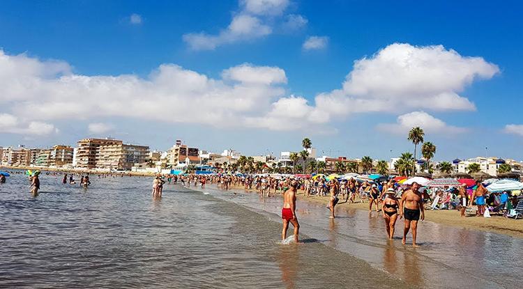 Науфрагос (Playa de Los Naufragos)