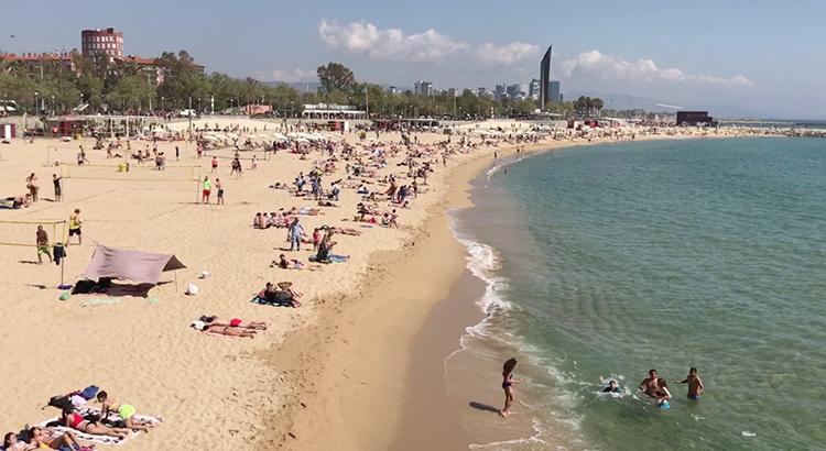 Нова Икария (Nova Icaria beach)