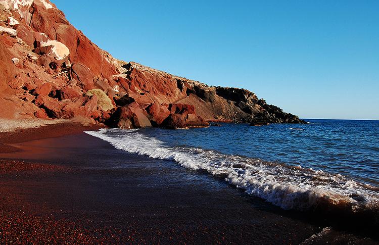 Красный пляж (Red beach)