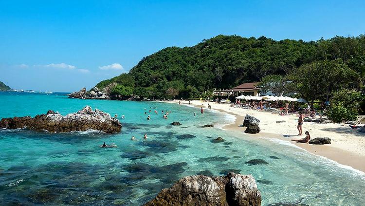 Та Яй (Ta-Yai Beach)