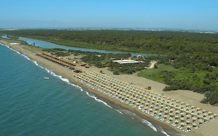 Отель Titanic Deluxe Golf Belek и его пляж