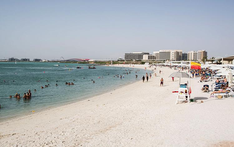 Пляж Яс (Yas Beach)