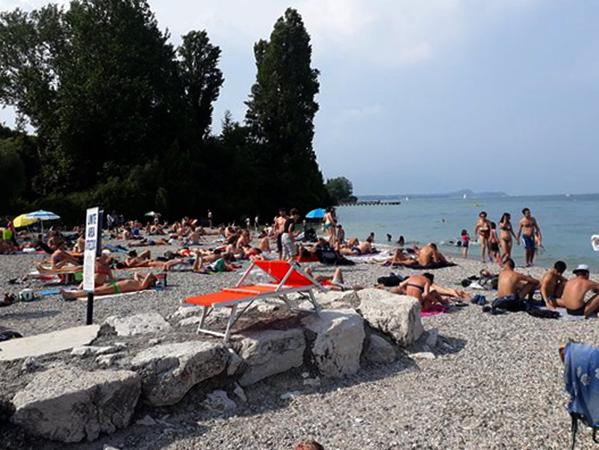 Дезенцано (Desenzanino Beach)