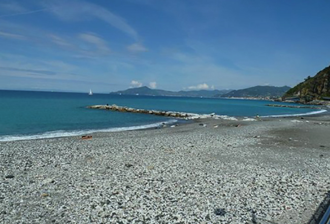 Пляж залива Молчания (Baia delle Favole)