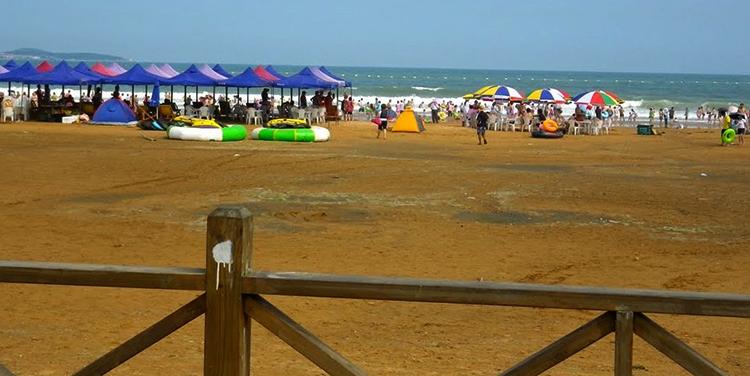 Золотой пляж Хуангдао (Golden Beach Huangdao)